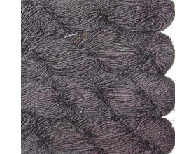 Recycled Silk Yarn in solid color