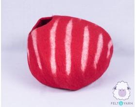 Felt Wool Cat House [Red White Stripe Design] - Felt & Yarn