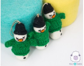 Cute Needle Felted Snowman with Winter Theme - Felt & Yarn