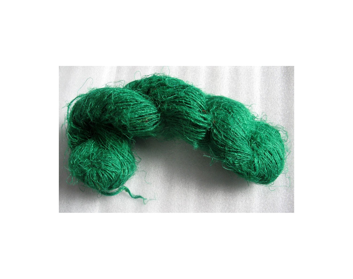 Green color Recycled silk yarn Grade B